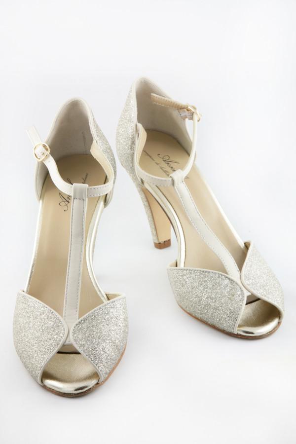 Scarpe Vintage Sposa.Accessori Scarpe E Gioielli Per La Sposa Torino